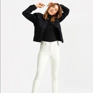 Everlane High Rise Skinny Jeans in Bone